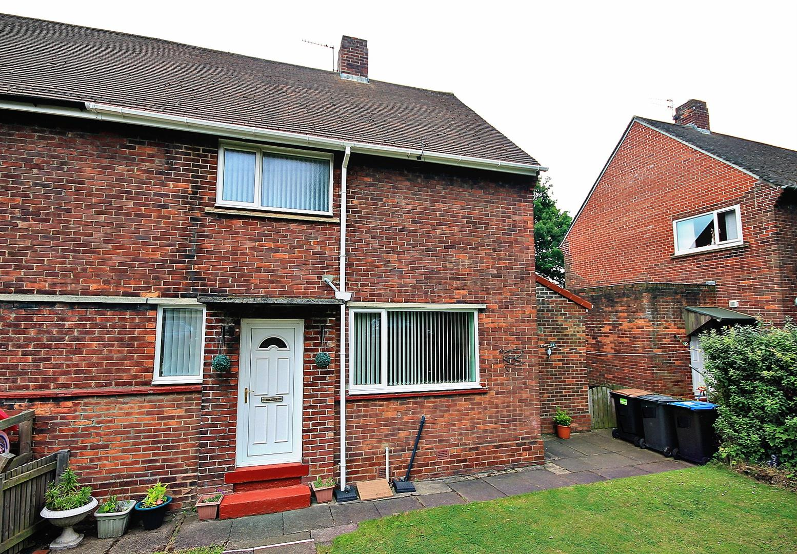 3 Bedrooms Semi Detached House for sale in Arbourcourt Avenue, Esh Winning, Durham